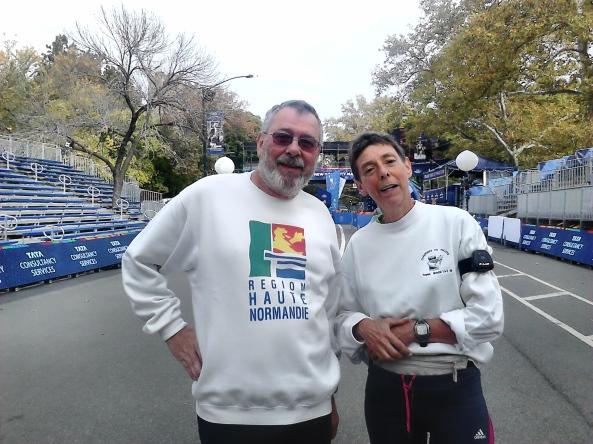 Guy et Brigitte, la veille de la course, à 100 m de la ligne d'arrivée