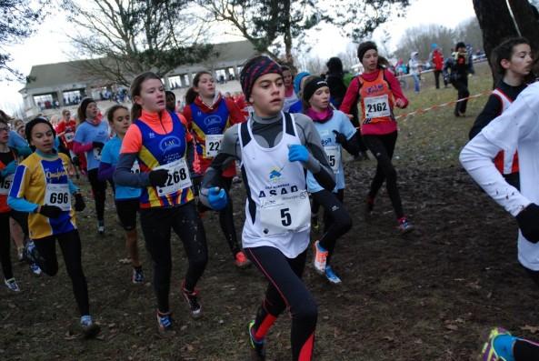 Margot Guepratte et Sarah Truin dans la course. Merci à l'Athlé Saint-Julien 74 pour la phot